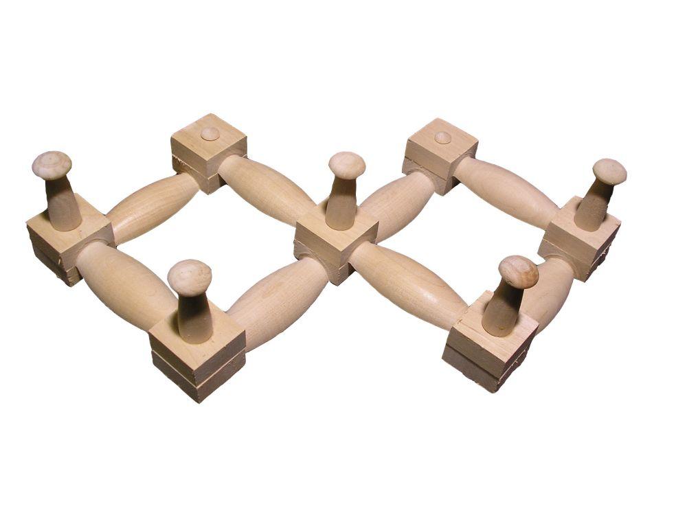 Деревянная вешалка на 5 крючков